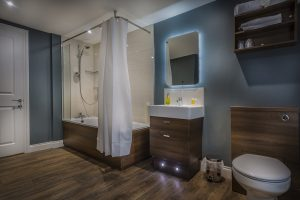 Golden-Lion-New-Superior-Room-Bathroom