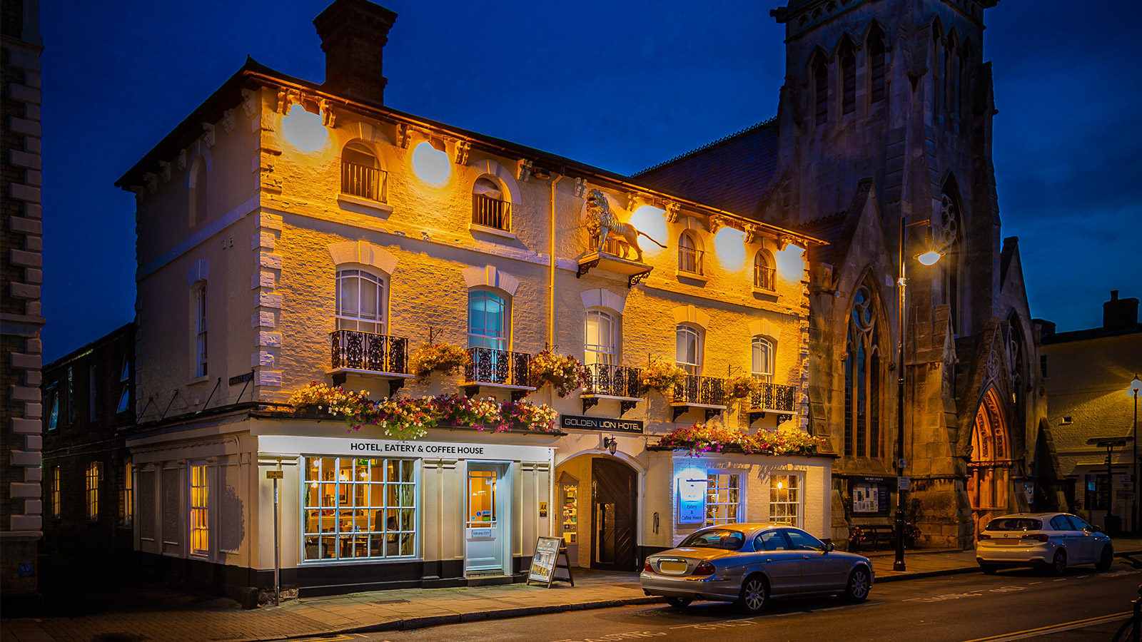 The Golden Lion Hotel Eatery And Coffee House St Ives